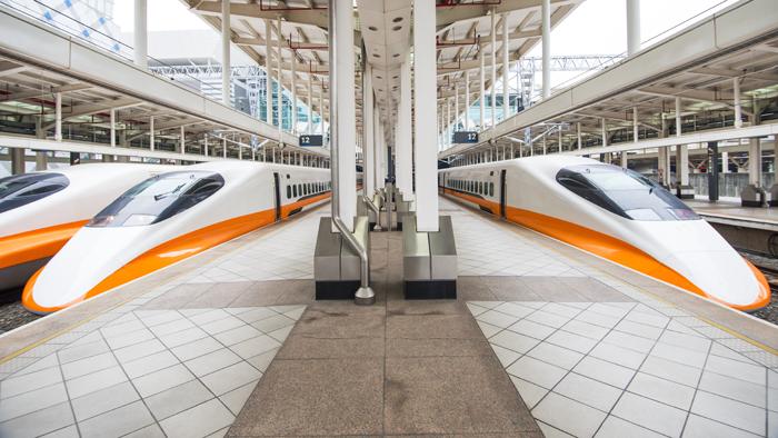 改變臺灣南北一日生活圈的臺灣高鐵