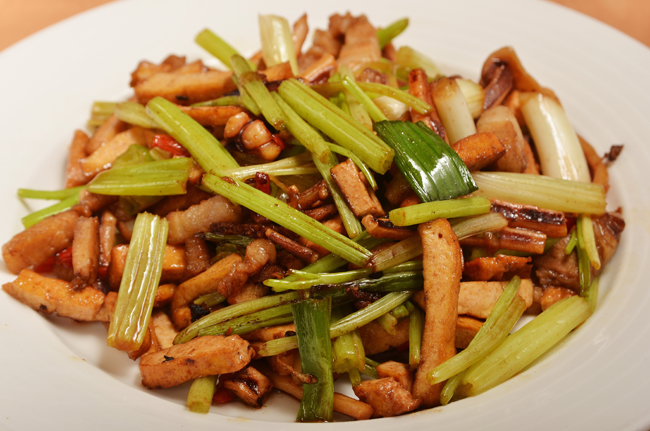 客家小炒是體現客家族群飲食文化的代表性飲食之一