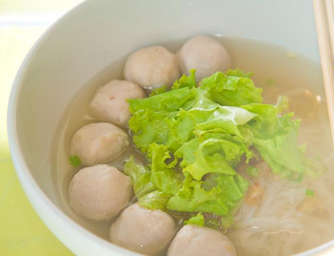 閩南菜除了精緻如佛跳牆這樣的大菜之外,也有魚丸這樣單純的美食喔!